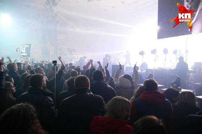 в ледовый дворец «Ижсталь»