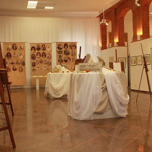 Выставка «Тритон на Елагином»: 200 лет со дня рождения Достоевского