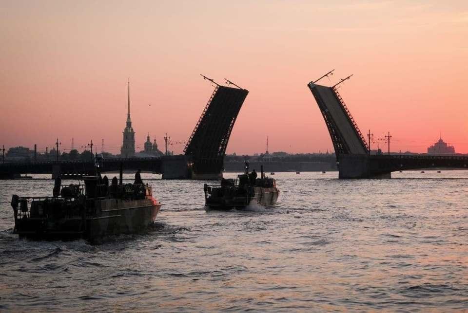 Видео репетиции парада на День ВМФ в Санкт-Петербурге 18 июля 2021: прямая онлайн-трансляция