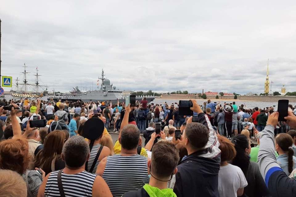 Видео парада на День ВМФ в Санкт-Петербурге 25 июля 2021: лучшее за пару минут