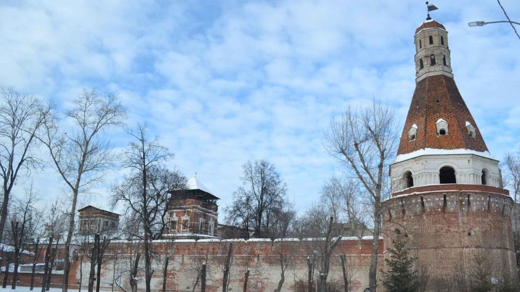 стена симонова монастыря